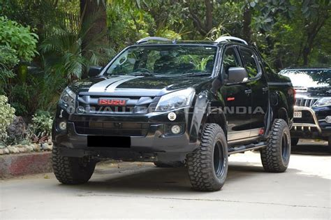 customised isuzu  max  cross  scare  instantly