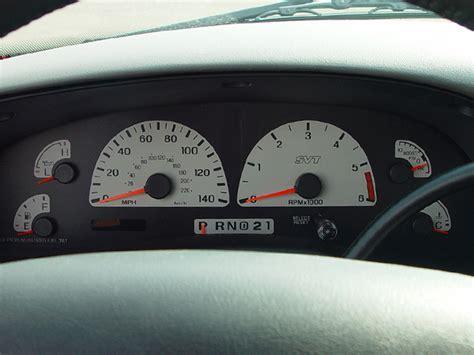 ford svt   lightning  car review