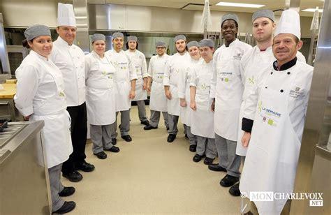 formation cuisine professionnelle dix élèves cuisinent 750 repas mon charlevoix