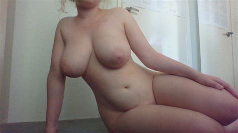 Voluptuous Nude Amateur Vixen Booty Of The Day