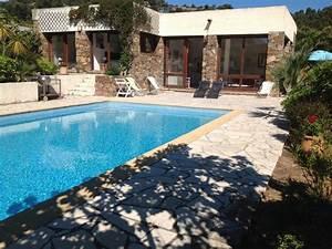 tres belle villa de plain pied du gaou cap benat proche With location bormes les mimosas avec piscine