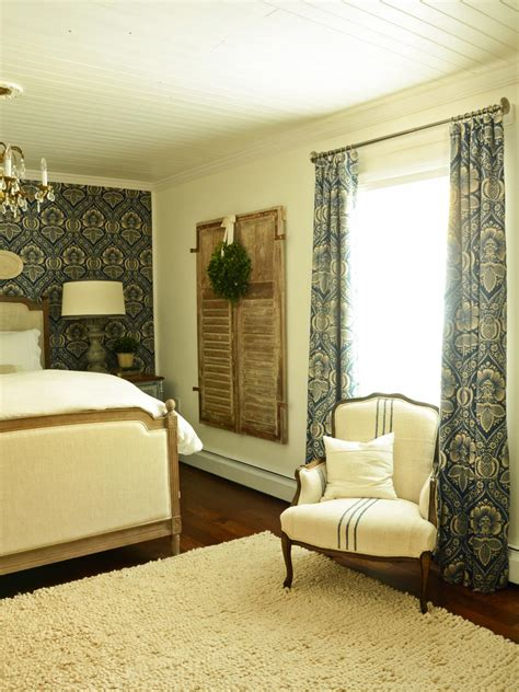 How To Make Drapery by How To Sew Lined Drapery Panels Hgtv