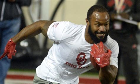 panthers  interested  oklahoma rb samaje perine