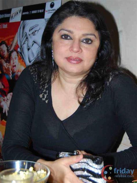 Kiran Juneja Hot Navel Photos Trosewhite