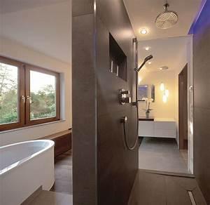 Bad Braune Fliesen : welche fliesen im badezimmer sind die passenden ~ Markanthonyermac.com Haus und Dekorationen