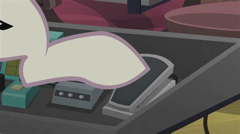 Dj Pon-3 Pressing Down An Effects Pedal S5e9.png