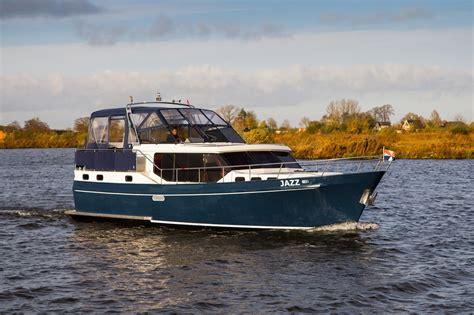 Luxe Motorjacht by Jazz Motorjachten Met Luxe En Privacy Centerpoint Charters