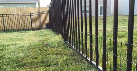 diy  small dog  yard  welded wire aluminum fence
