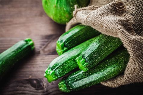 Rezept für Gegrillte Zucchini - Edeka Wucherpfennig