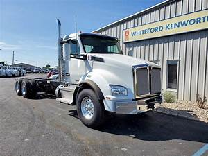 2020 Kenworth T880 Tandem Axle Day Cab Truck