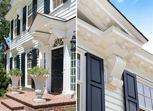 Crown Moulding Dominates This Updated Neoclassical