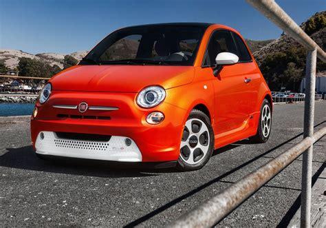 Fiat Car : Us-style Custom Fiat 500 Rendered