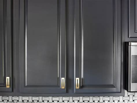 how to refinish kitchen cabinet doors how to refinish cabinets like a pro hgtv 8850