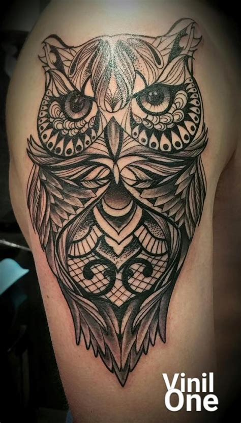 tatouage chouette dos cochese tattoo