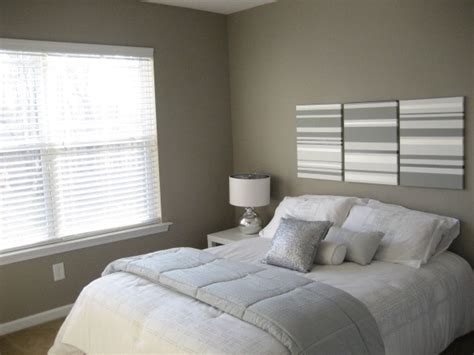 Simple Guest Bedroom Idea