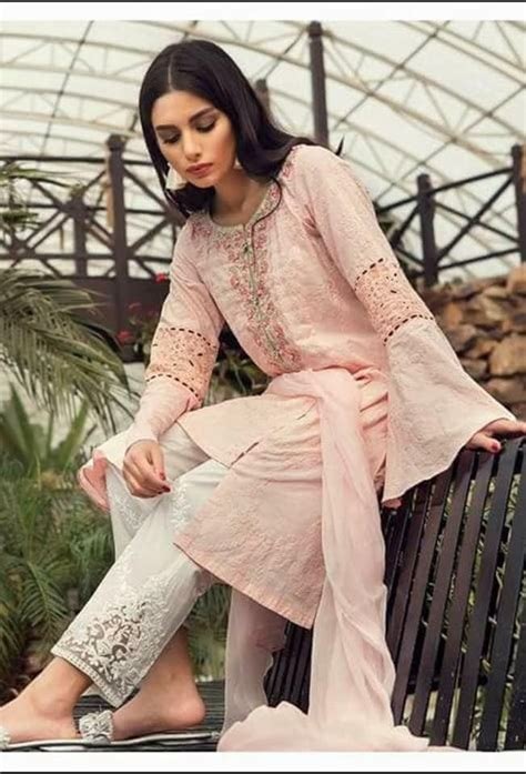 maria  lawn collection  maria  lawn