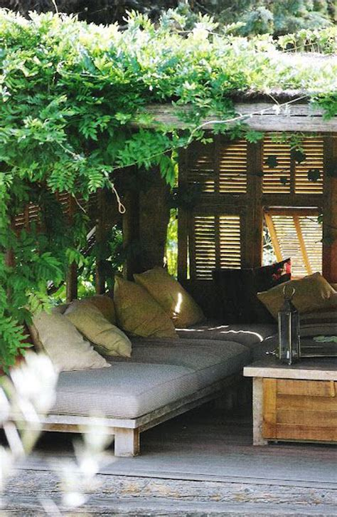 20 outdoor reading nooks with the secret garden