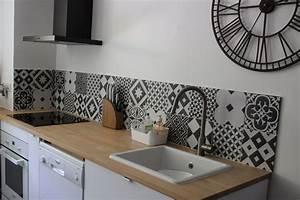 credence cuisine carreaux ciment1 deco cuisine With carrelage adhesif salle de bain avec bar a led