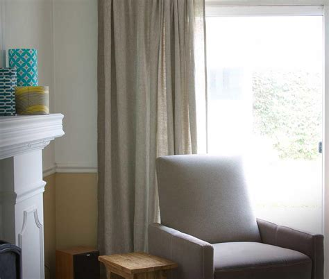 Linen DIY Curtains   DIYIdeaCenter.com