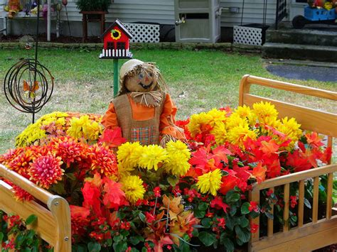 Front Yard Garden Decoration by Fall Garden Decoration Ideas Photograph Fall Decorations G