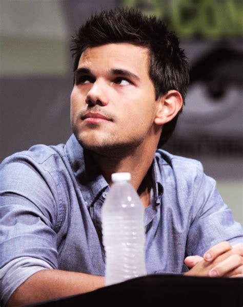 Taylor Daniel Lautner ♥   Taylor lautner, Her smile, The ...