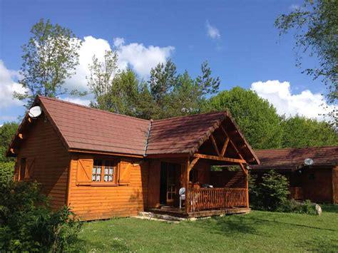 cing jura lac vouglans piscine chalets en bois mobil homes