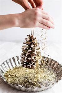25 Beautiful Pinecone Christmas Ornaments Ideas - MagMent