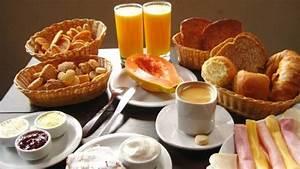 suco de laranja mamão café leite pão geléia mant