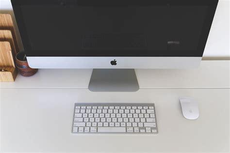 macbook bureau photo gratuite bureau à domicile ordinateur mac image
