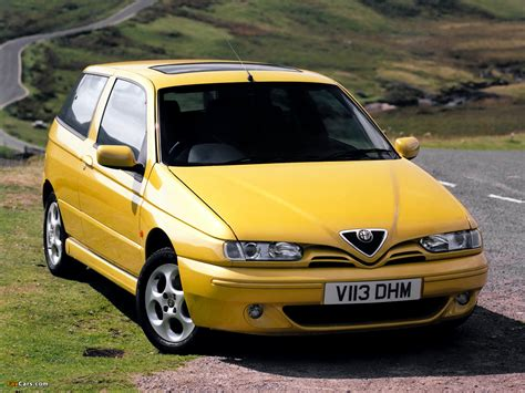 1999 Alfa Romeo 145 Photos, Informations, Articles