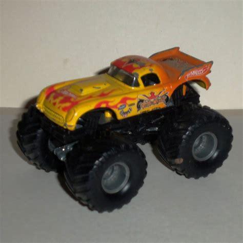 diecast monster jam trucks wheels monster jam vette king 1 64 diecast truck