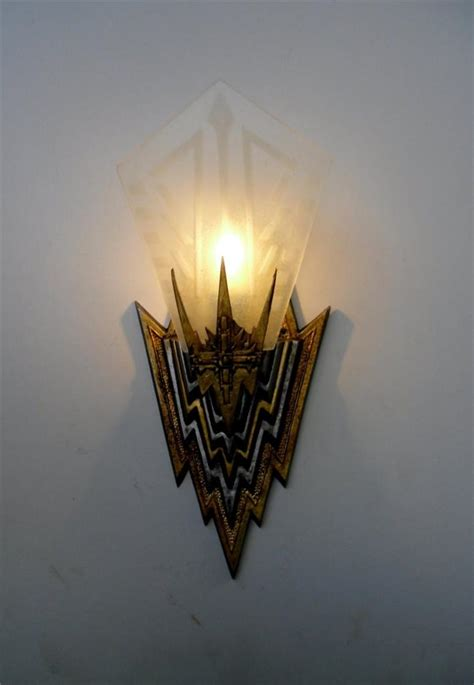 the great gatsby movie leo dicaprio art deco wall light