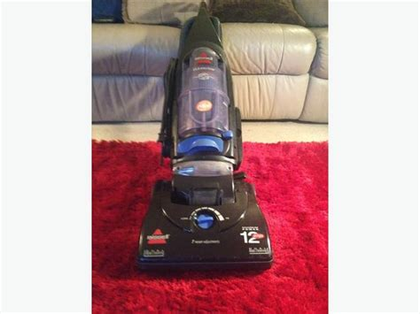 Bissell ClearView powerfull 12 amp Bagless Vacuum Victoria