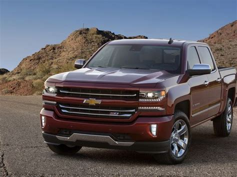 2016 Chevy Silverado Muscular Look, New Technology
