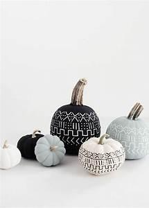 Halloween Kürbis Bemalen : die besten 17 ideen zu herbstliche tischdeko auf pinterest herbstdeko deko herbst und ~ Eleganceandgraceweddings.com Haus und Dekorationen