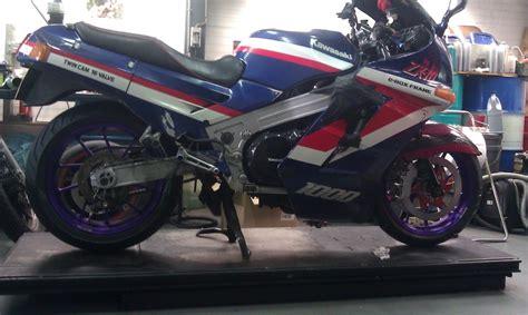 maxi test motorbikes  review kawasaki zx  tomcat