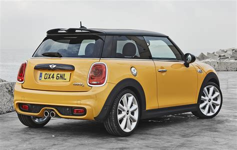 2014 Mini Cooper by 2014 Mini Cooper S Details And Photos Machinespider