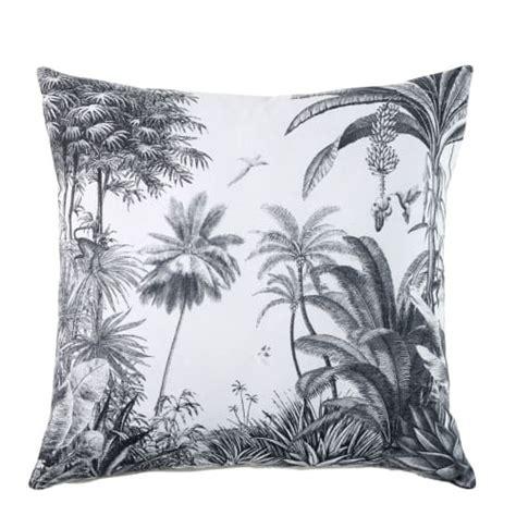 coussin en coton blanc imprime tropical  sheena maisons du monde