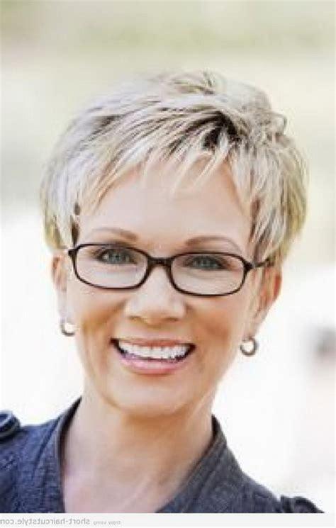 short hair styles  women  glasses