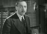 Warren William as Perry Mason in The Case of the Lucky ...