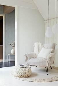 les 25 meilleures idees de la categorie fauteuil blanc sur With nettoyage tapis avec canapé fauteuil design
