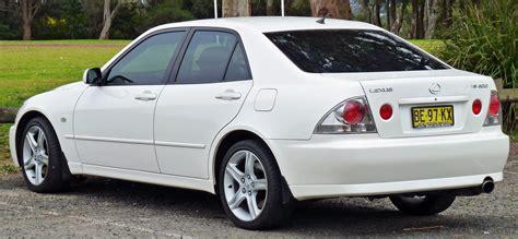 lexus sedan 2005 file 1999 2005 lexus is 200 gxe10r sedan 03 jpg