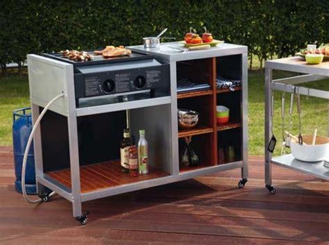 faire sa cuisine sur mesure aménager une cuisine extérieure dans le jardin le