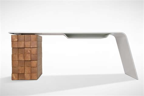 bureau desk this modern desk charges your phone wirelessly freshome com