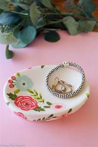 The Easiest DIY Trinket Dish Ever - Average But Inspired