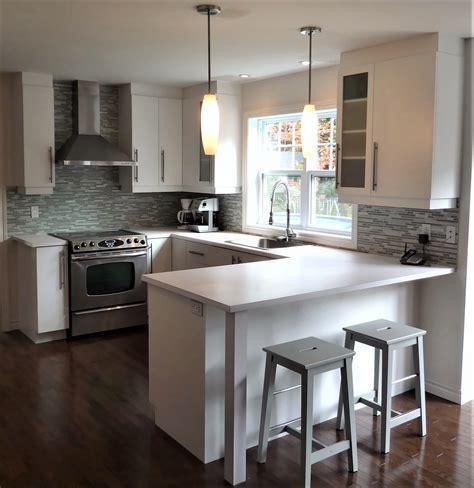 cuisine armoires blanches cool cuisine blanche et comptoir en stratifi with armoire