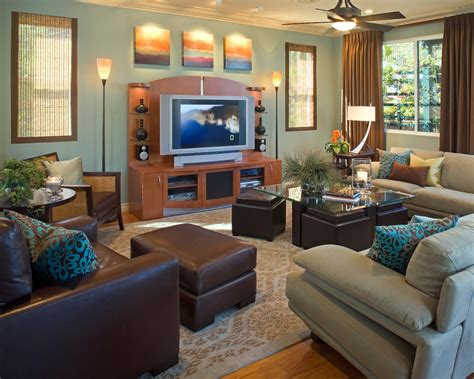 Bright cube ottoman in Family Room Contemporary with Teal
