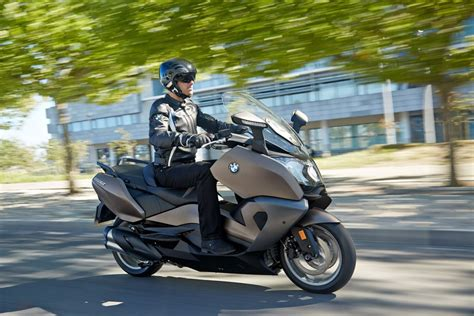 Bmw C 650 Gt Modification by Bmw Refreshes The C650 Gt For 2016 Scooterfile