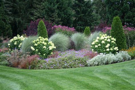 vorgarten mit graeser gestalten