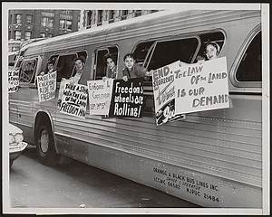 "Members of the ""Washington Freedom Riders Committee,"" en ..."